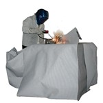Solter welding blanket for industrial welding. Specially designed for protection from light and heat welding. Ideal for vertical protection against spatter and spark
